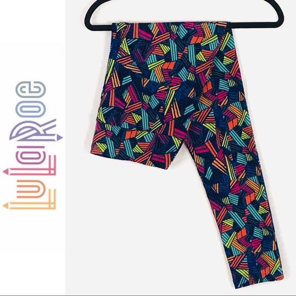 LuLaRoe Pants - LuLaRoe Geometric Printed Leggings - Tall & Curvy